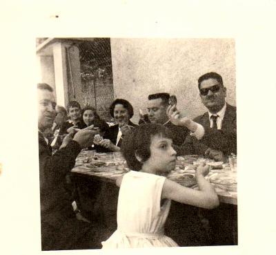 Août 1960. La famille