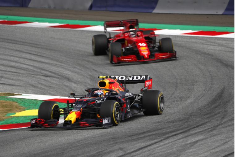 Tassé dans les graviers à deux reprises par Sergio Pérez, Charles Leclerc n'est pas rancunier envers le pilote Red Bull.