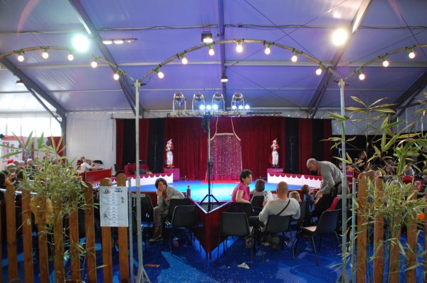 foire expo de vannes invite le cirque en 4 diaporamas n1 passion cirque. Black Bedroom Furniture Sets. Home Design Ideas