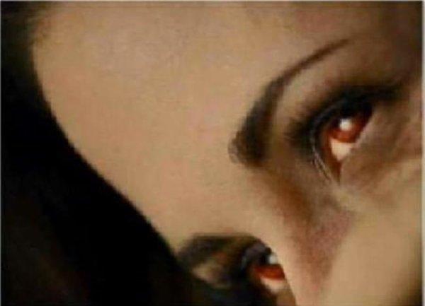 Twilight 4 Breaking Dawn : Les photos de l'accouchement de Bella