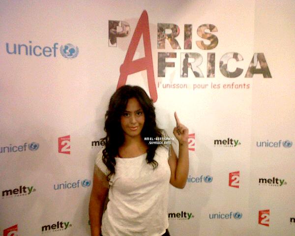 06-09-2011 Amel Bent .En exclu' pour Skyrock, une photo de l'enregistrement du single pour la #Corne de l'Afrique.