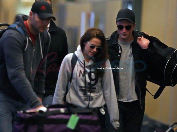 . Le 30 Avril Taylor était vu sortir d'un resto à Hollywood compagne de Sara Hicks (Son ex petite amie) .