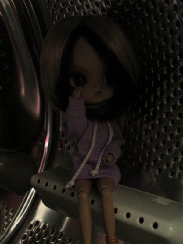 Séance photos de Katoya dans...Ma machine à laver !!