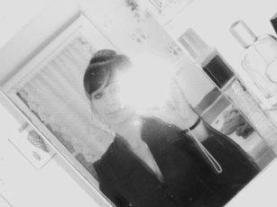 L'amOúr n'est pas besOin d'être parfait__ mais il a juste besOin d'être vrai ...!!♥