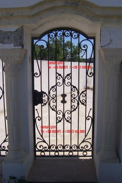 Portail fer forg 79 harmonie de fer forg tunisien for Portail fer forge tunisie