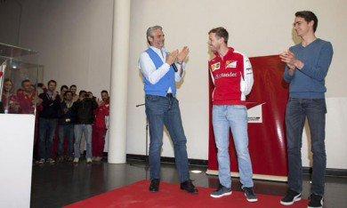 Vettel acclamé à Maranello