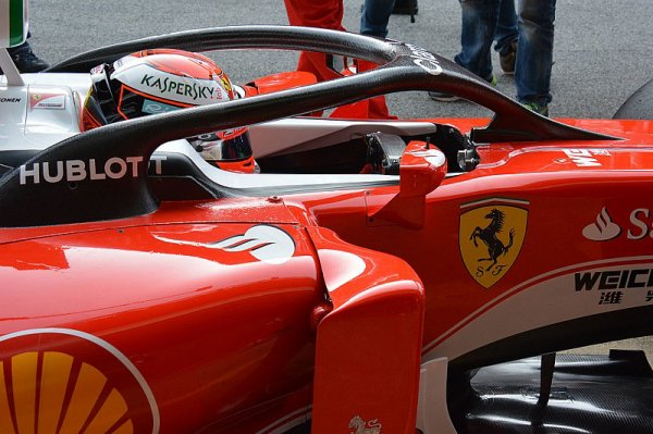 Räikkönen teste le halo à Barcelone !