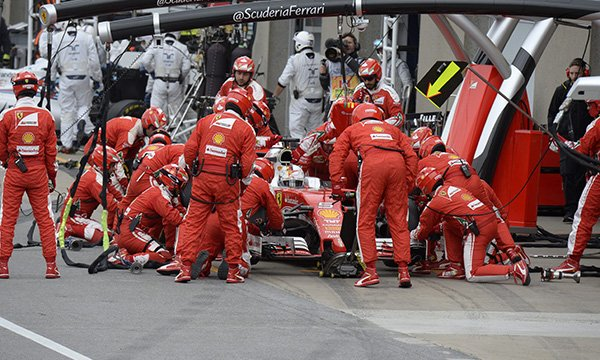 """Prost : Ferrari a fait preuve """"de faiblesse"""""""