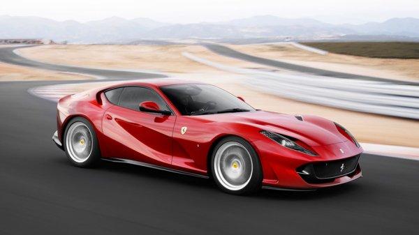 VIDÉO - La Ferrari 812 Superfast dans les moindres détails