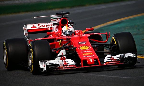 """Course : Vettel renoue avec la victoire !                  """"enfin ouf"""""""