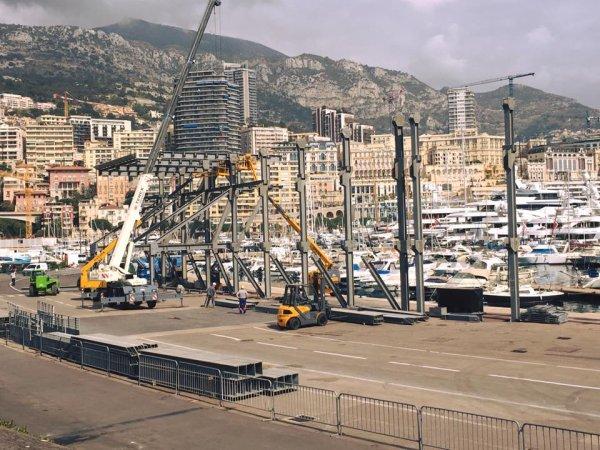 Pendant ce temps à Monaco...