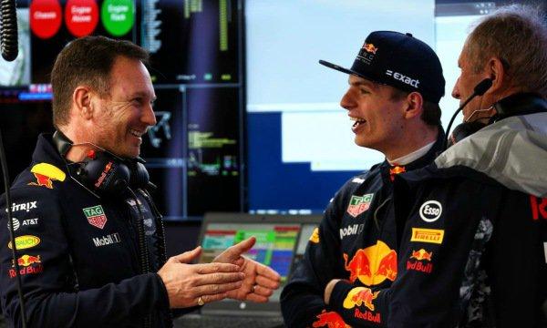 """Verstappen veut rester """"loyal"""" avec Red Bull"""