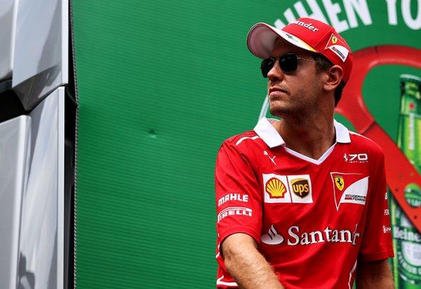"""Marchionne : """"A Vettel de décider s'il veut rester ou non"""""""