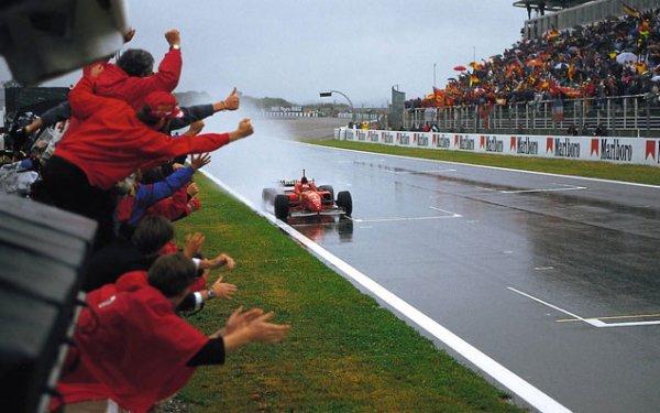 Les 10 plus belles victoires de... Michael Schumacher  (FIN)