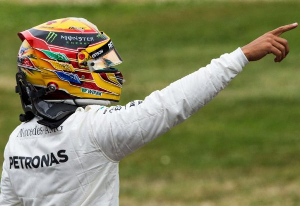 Course : Hamilton s'impose, catastrophe pour Ferrari !