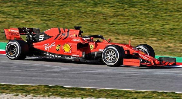 Wolff : « La Ferrari a l'air ultra-forte »