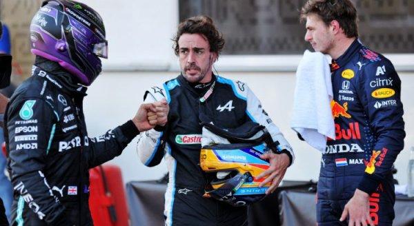 Alonso : « Hamilton n'a pas le charisme de Verstappen »