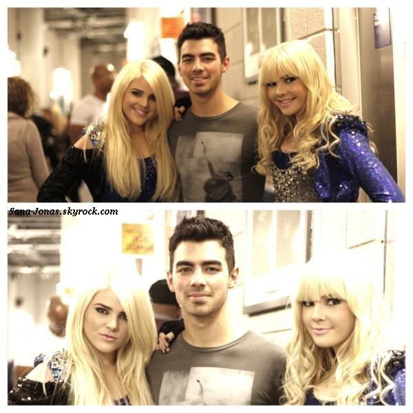 *Hier* Nick a été aperçu au W hotel avec sa fameuse Mustang :) + Infos & Vidéos