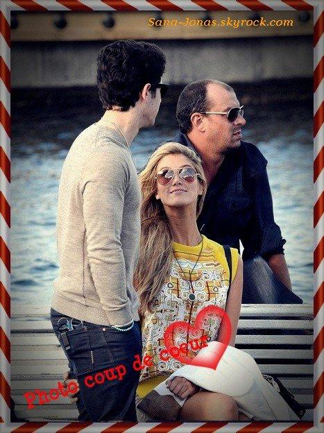 *2/12* Nick & Delta en amoureux sur un bateau à Sydney , Australie + Photos :)