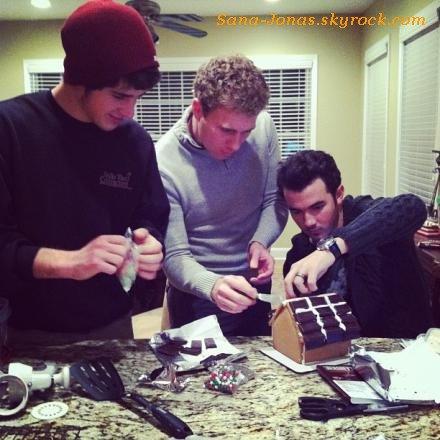 *13/12* Joe s'est produit au Jingle Ball qui s'est déroulé à Hershey ,Pensyvalnie :) + Photos de Kevin & Nelta