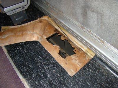 oupsss des trous dans le plancher