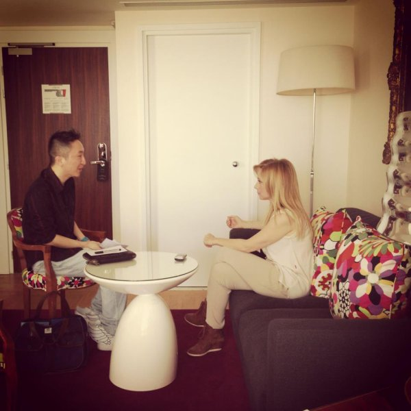 LARA  FABIAN  EN  INTERVIEW  A  PARIS  AVEC  JUST  MUSIC