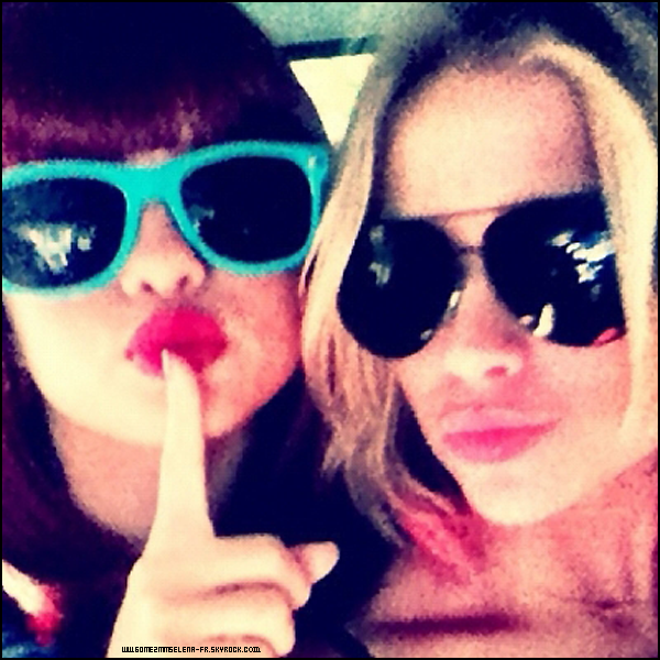 Petit rattrapage - Candid - Selena était présente sur le tournage du film Spring Breakers. Alors je lui accorde encore une fois deux top & vous ? + Deux photos perso de la belle actrice !