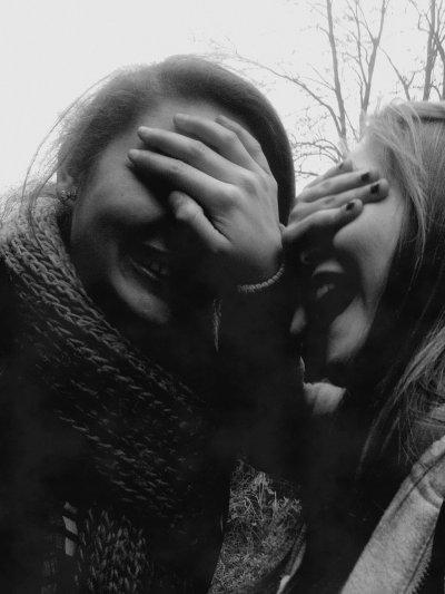 Loin des yeux loin du c½ur ce dicton est bien menteur car malgré les distances c'est à toi que je pense. ♥