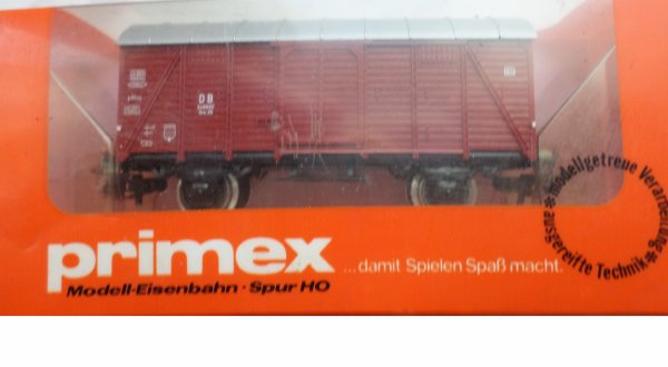 PRIMEX- marklin -fourgon couvert DB n° 4542