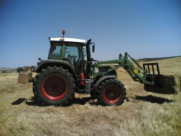 Fendt 415 and front loader *jcbs e filhos