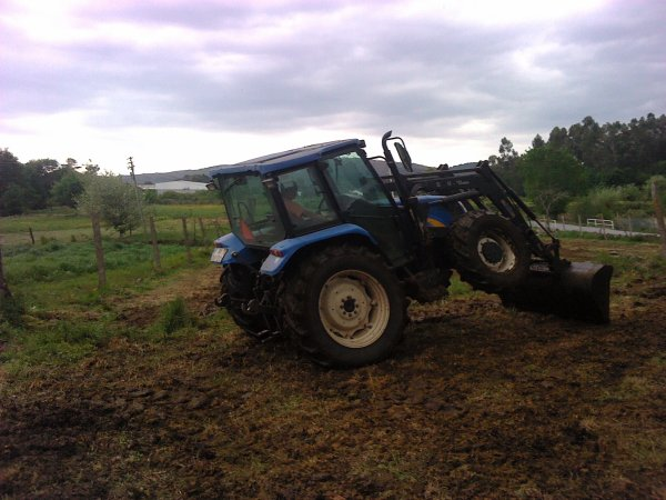 new holland tl100a