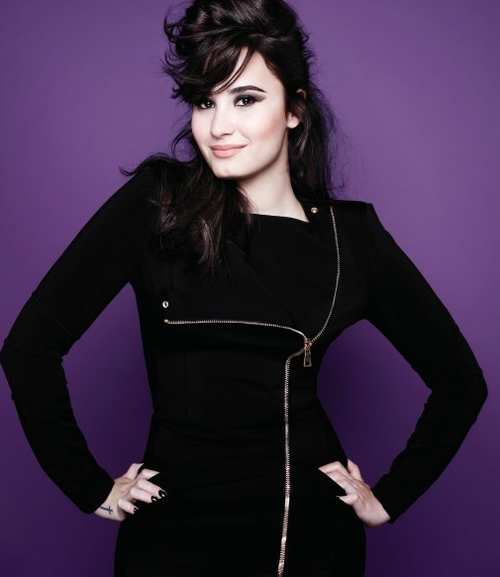 Demi / Two Pieces (2013)