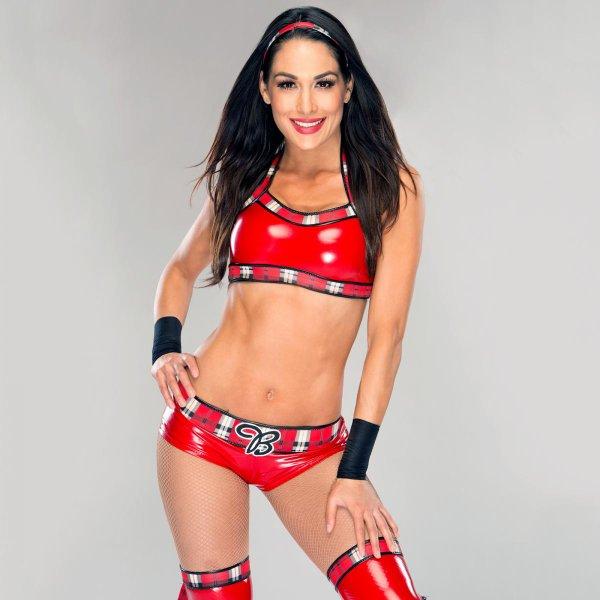 Brie Bella a commencé les entraînements