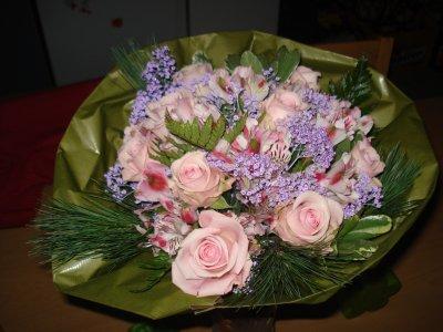 mon bouquet de fleur pour noel pres de mon homme trop beau ma famille mes amies. Black Bedroom Furniture Sets. Home Design Ideas