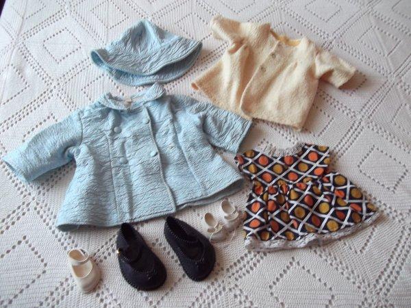 Quelques petits vêtements trouvés récemment.