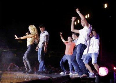 Shakira fait danser les joueurs du Barça