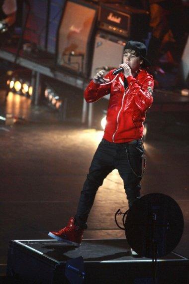 Justin Bieber sera en France la 30 novembre prochain, et évidemment on ne pouvait pas rater ça. Restez connectés, Fan2.fr va lancer un jeu-concours la semaine prochaine pour que vous puissiez le voir en chair et en os (non non vous ne rêvez pas) !