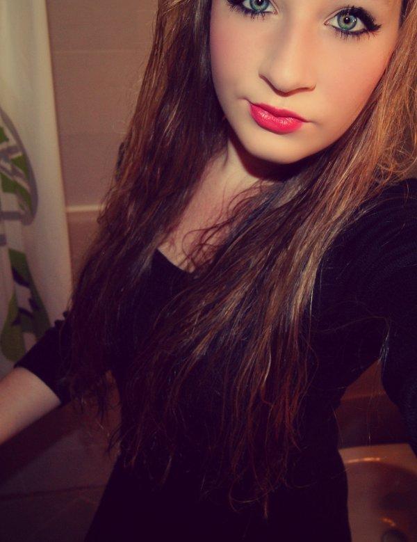« Je suis ce genre de fille qui prétend s'en foutre avec le sourire. »