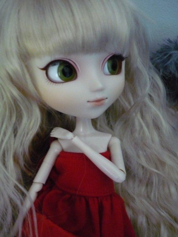 Petite robe faite par moi ^^ (merci Johanna de poser avec ma création :P)