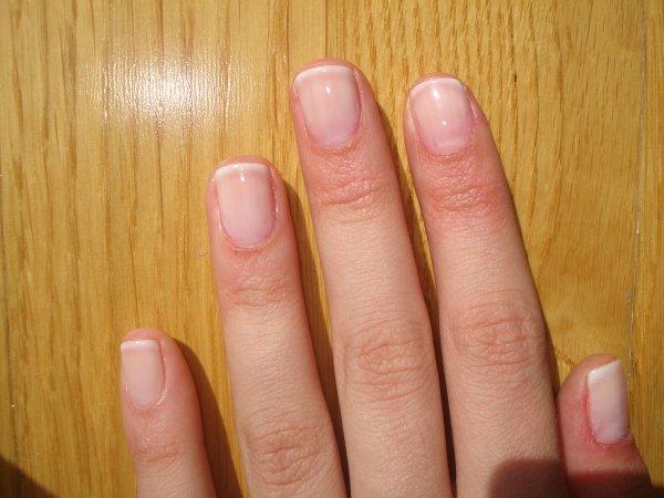 Mini french manicure