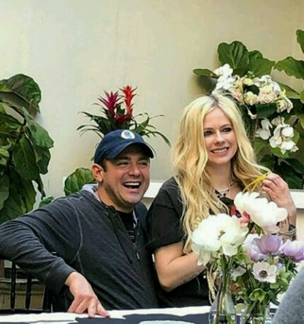 Parti 2 ( and avril new boyfrend maybe ?)