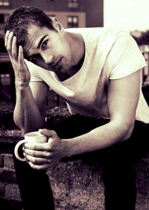 Theo James ♥