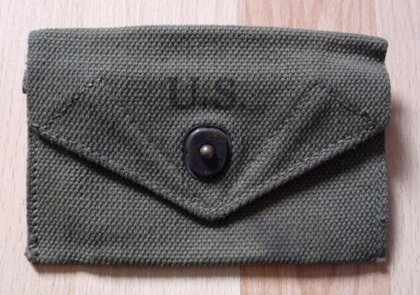 US : Pochette pansements M-42 (WW2)
