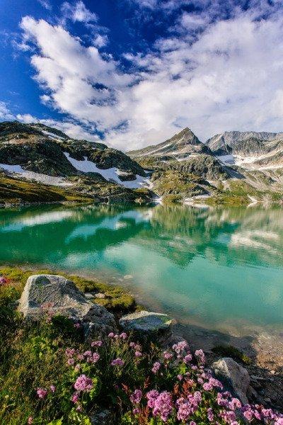 Voyez la beauté de notre monde,celui que nous détruisons chaque jour..
