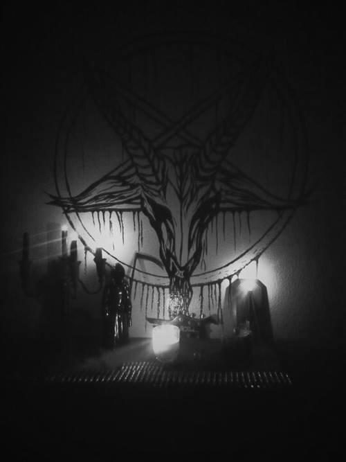 Satan is waitin' (Black Devil)