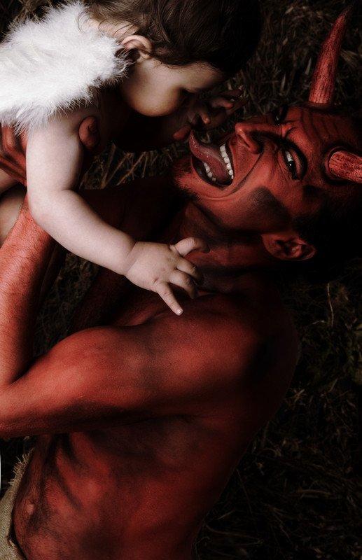 Voici le genre de sous merde que je supporte pas Ou Apprendre le Satanisme pour Débutants et Abrutis