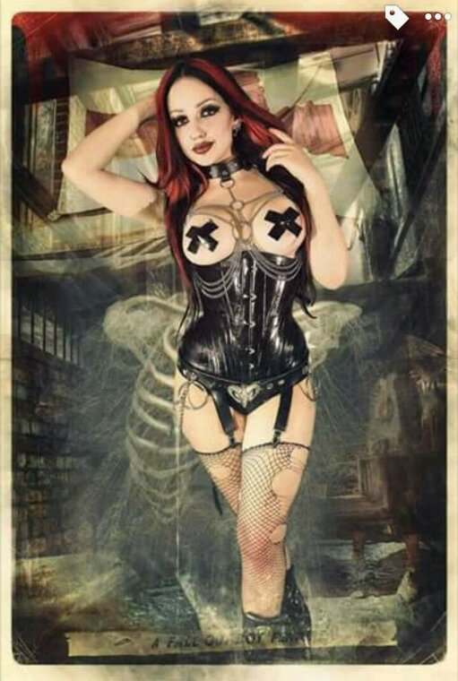 Suicide Girls, Gothic and inked