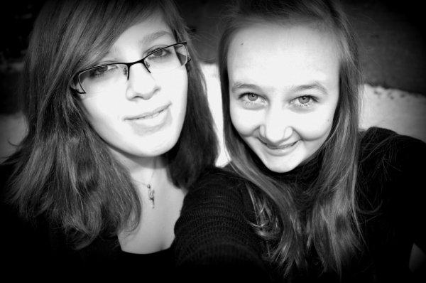 Un ami est celui qui vous laisse l'entière liberté d'être vous-même.