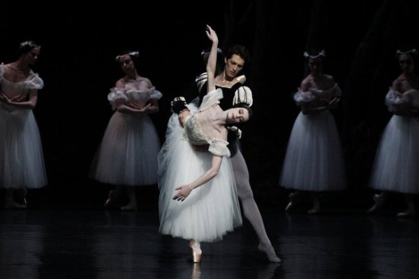 L'Opéra de Paris danse 'Giselle' au Lincoln Center de New-York.