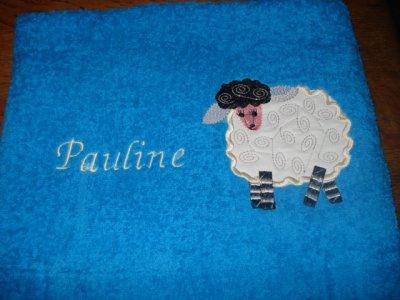 Serviette éponge mouton avec prénom